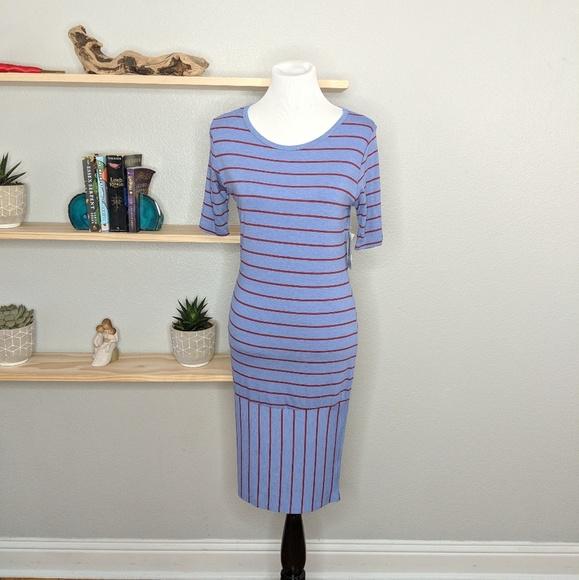 LuLaRoe Dresses & Skirts - LuLaRoe Julia sz M body con dress knee length NWT